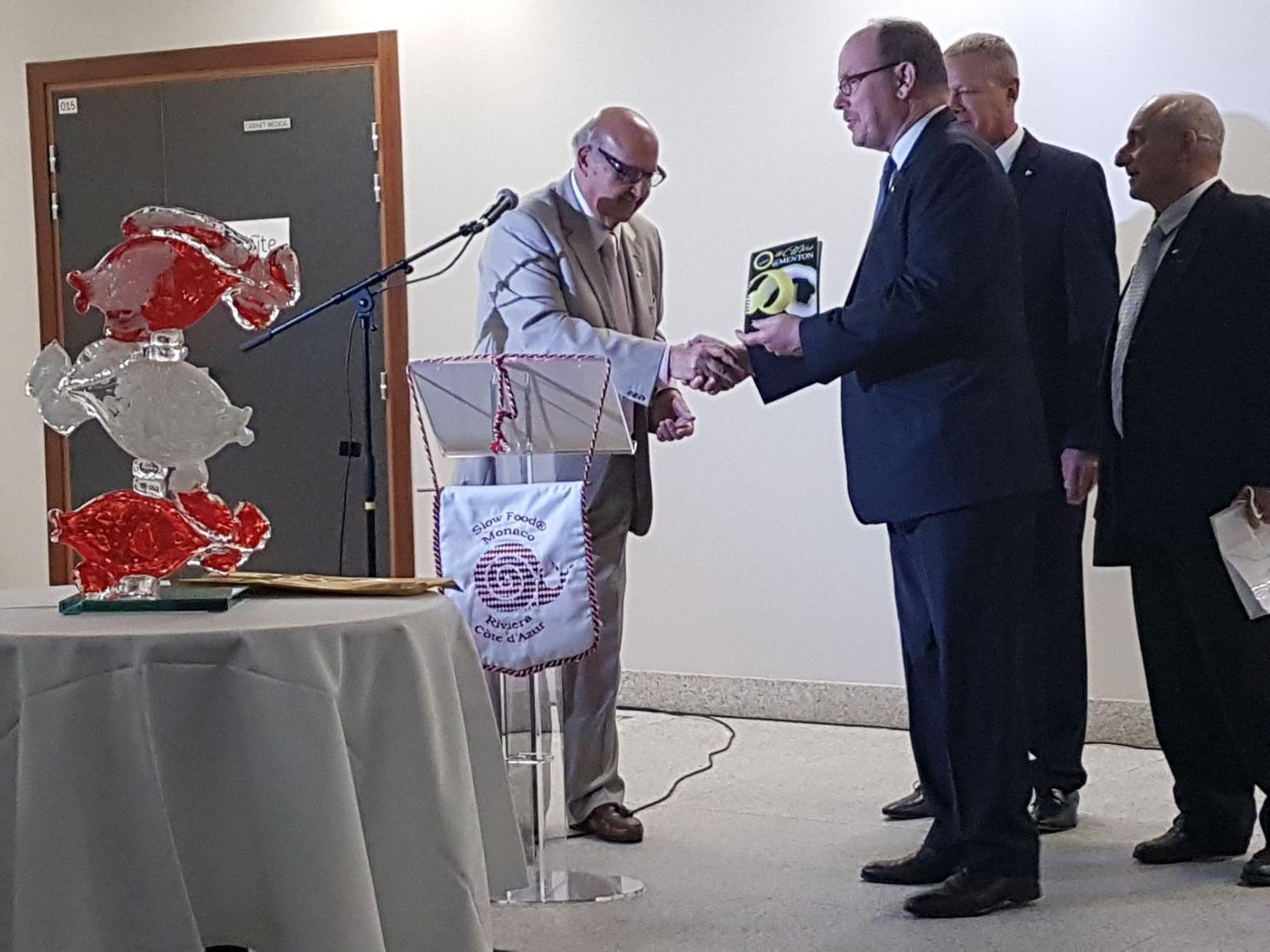 SAS Le Prince Albert de Monaco reçoit #Citron@Menton